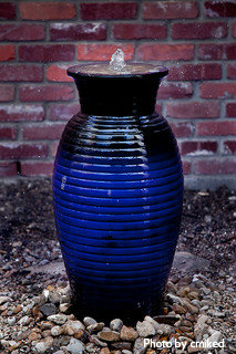 Ceramic Vase/urn Water Fountain With Decorative Colored (black, Blue) Coil  Rings
