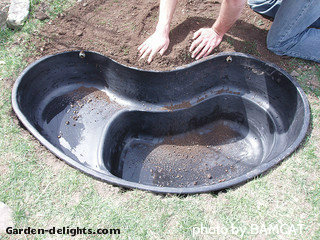 Small preformed garden ponds garden ftempo for Rigid pond liner