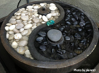 Ying Yang Corner Fountain/black And White Solar Fountain With Round Bottom  And Small Fountain