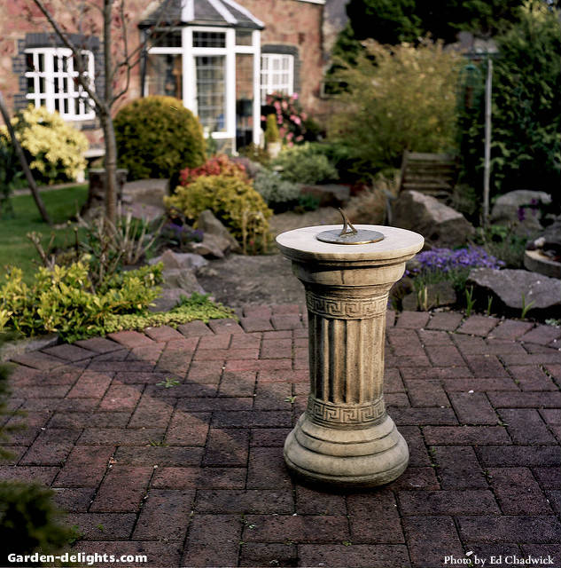 Garden Sundials-Decorative,Unique Outdoor Garden Accents